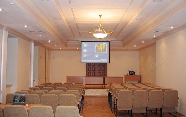 Конференц-зал Выставочного центра Государственного Эрмитажа