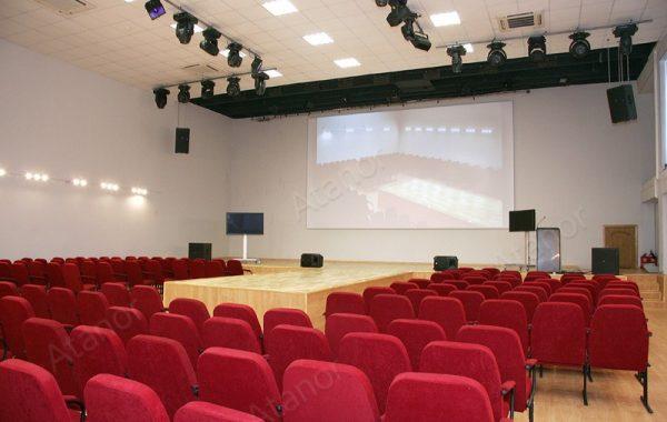 Актовый зал в колледже малого бизнеса № 67