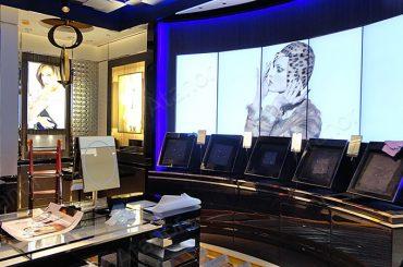 Видеостена 5х1 в салоне Christian Dior в ЦУМе