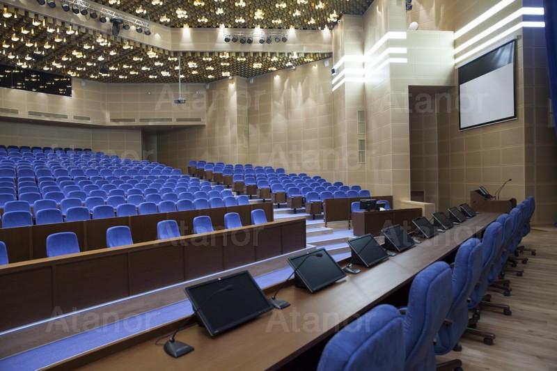Система конференц-связи в центральном актовом зале Федерального космического агентства Российской федерации (Роскосмос)
