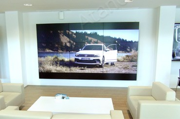 Три видеостены для автомобильного салона