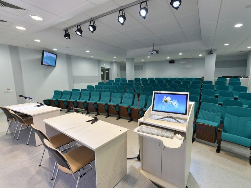 Многофункциональный конференц-зал в библиотеке Удмуртского государственного университета