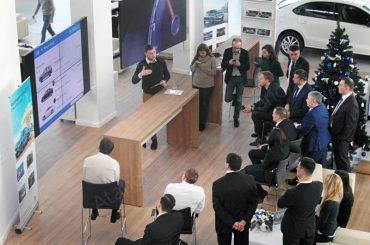 Атанор оборудовал московский автосалон системой Digital Signage